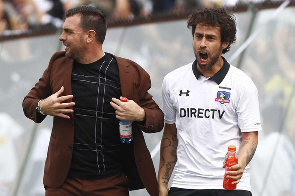 Problemas físicos de Jorge Valdivia prenden las alarmas en la selección chilena