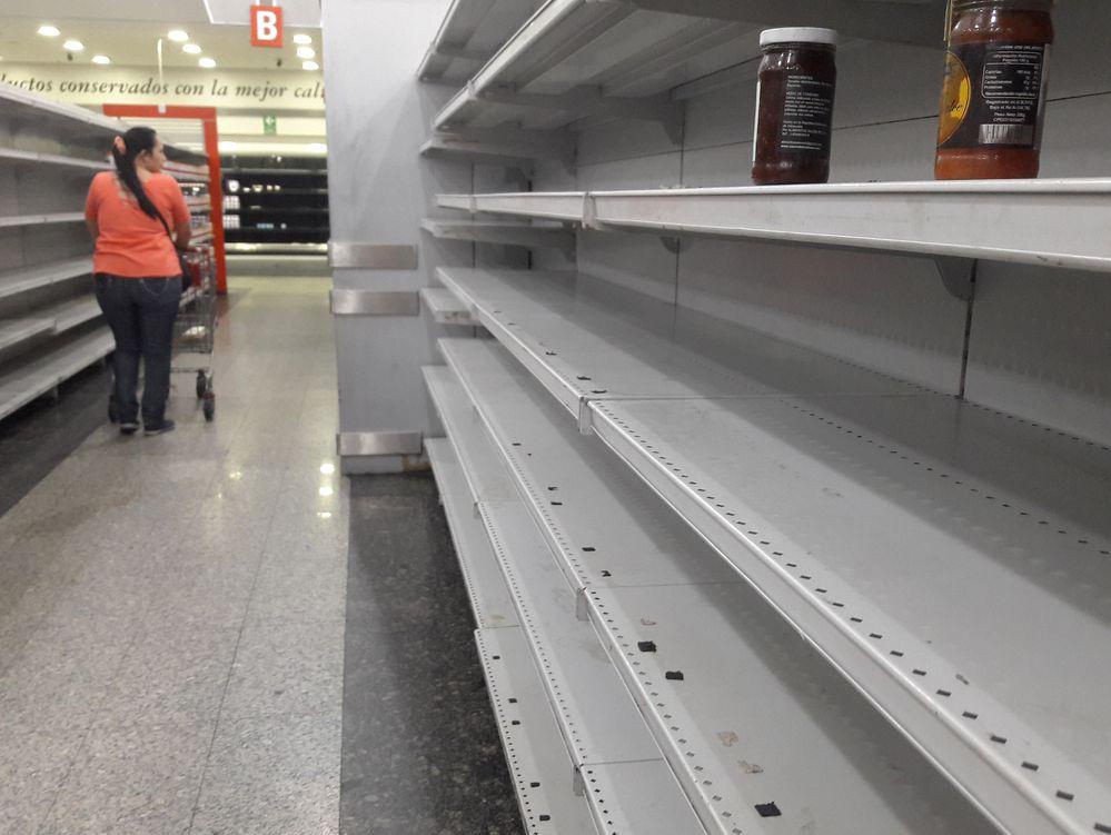 Venezolanos hambrientos asaltan finca y matan una res