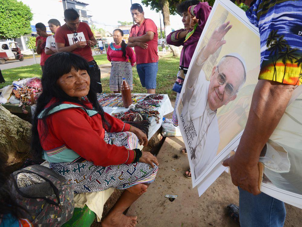 El papa insta a luchar contra el feminicidio en Latinoamérica
