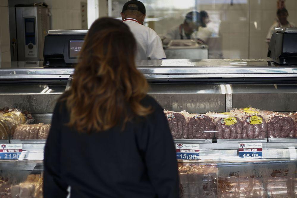 México suspende importación de carne brasileña