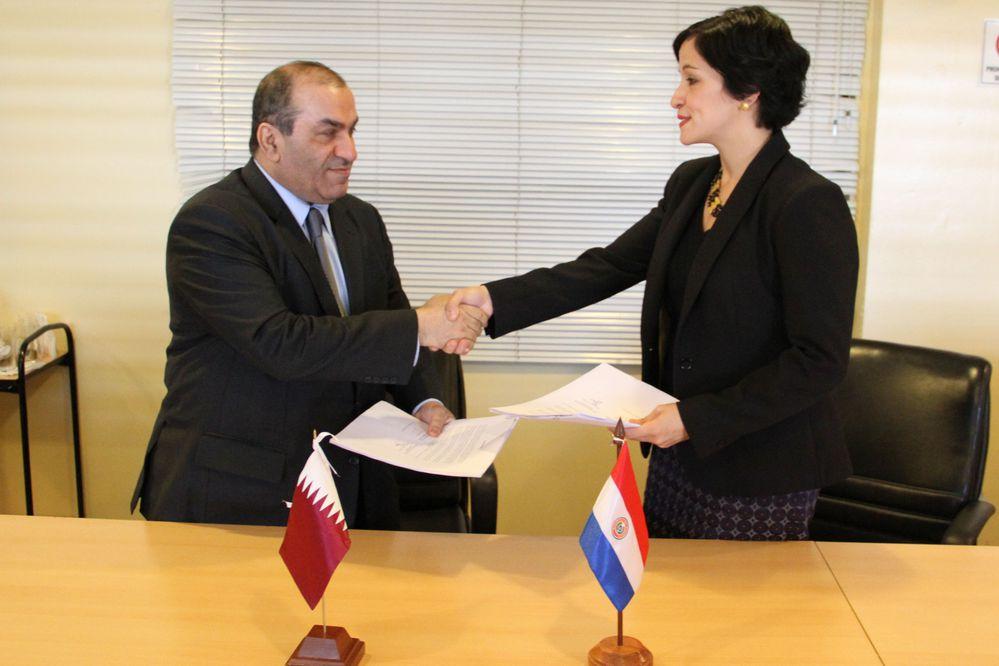 Paraguay y Qatar firman convenio para fortalecer lazos económicos