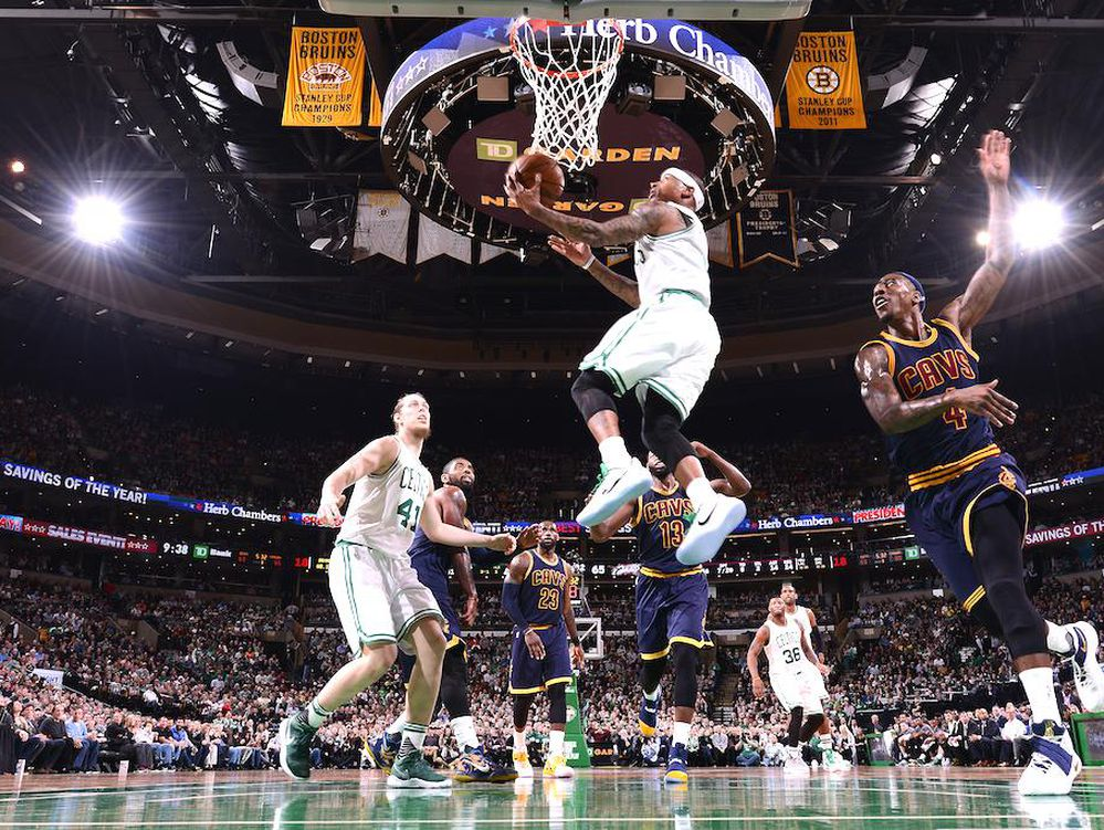 Otro triple doble para LeBron James